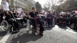 fauteuil-roulant-handicapes-10551915nfxic_1713.jpg